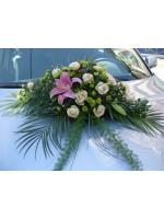 Цветя за сватбения автомобил