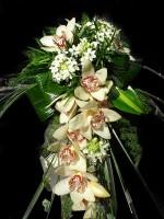 Падащ сватбен букет